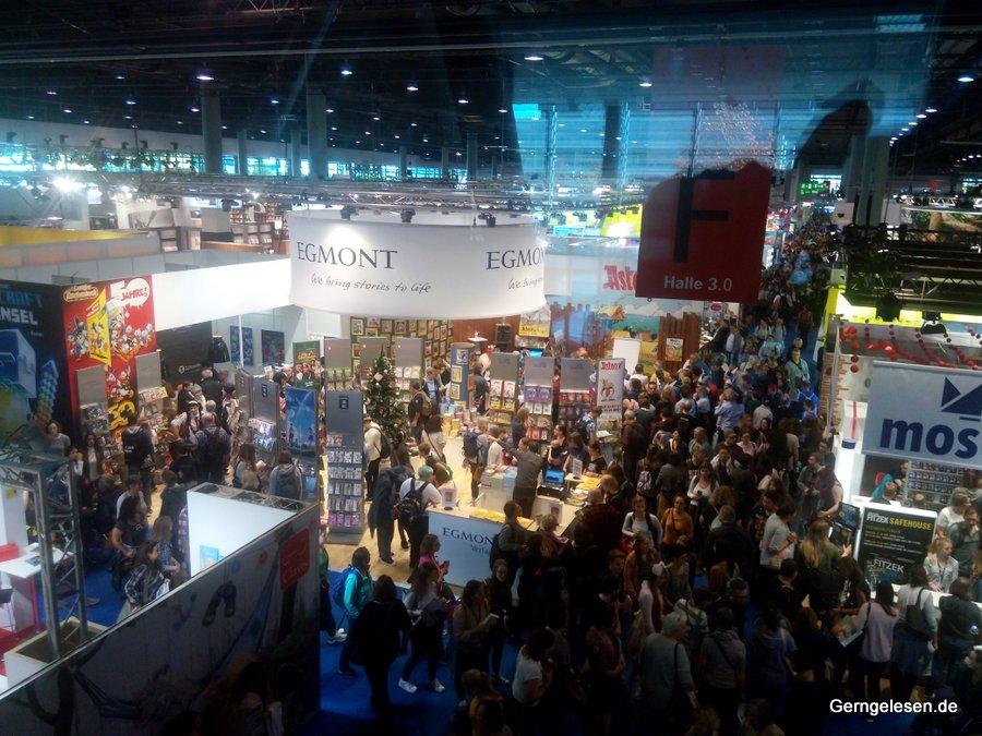 Messehalle 3 am Samstag auf der Frankfurter Buchmesse