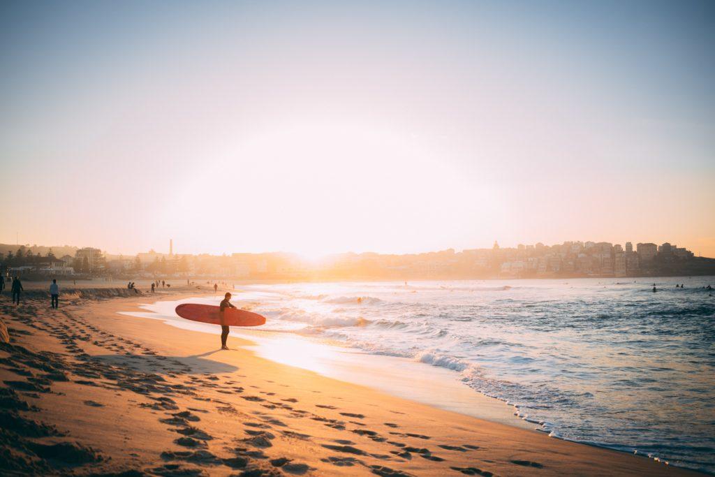 Lucy in the Sky - Paige Toon - Bondi Beach, Sidney, Australien